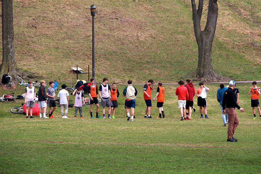 Pictured+above+the+boys+Ultimate+Frisbee+team+practices+at+Powderhorn+park.+While+many+sports+have+gone+down+in+numbers+the+participation+in+frisbee+has+surged+in+recent+years.+Photo%3A+Livia+Lund