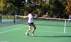 Women's tennis team prospers despite separation among members