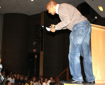 Author+Nuruddin+Farah+gives+insight+on+his+book+to+students