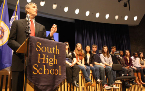 U.S. Secretary of Education and company talk to seniors about financial aid and their futures