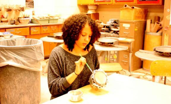 Ceramics students contribute to community through Empty Bowls