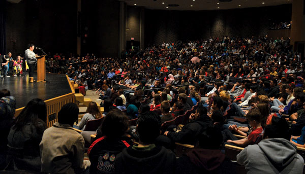 On March 11, hundreds of students filled the auditorium to support the All Nations Idle No More protest. The auditorium featured student testimonies,
