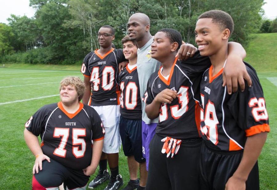 The Minnesota Vikings support the South football program