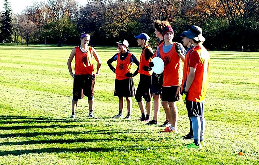 South frisbee players prepare for tournament.