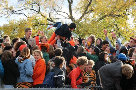 Tiger Pride shines through the cold at South High homecoming game