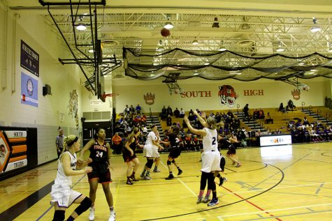 Girls basketball starts the season off on the right foot
