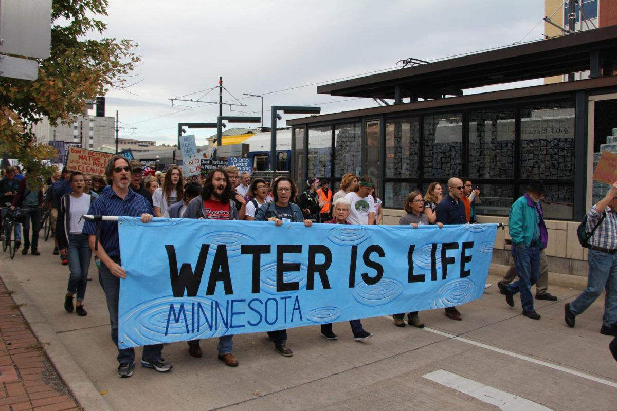 On+Thursday+September+28th%2C+several+students+joined+hundreds+of+Minnesotans+to+protest+the+proposed+Line+3+pipeline.+Many+protestors+argue+that+this+pipeline+will+threaten+Minnesota%27s+clean+water.+%22Love+water%2C+not+oil%21%22%2C+chanted+protestors.+Photo%3A+Livia+Lund