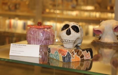 This is El Día De Los Muertos, a mid-fire stoneware sculpture by Jennifer Gutierrez Rosas, and a part of the Viva City Fine Arts Festival. Viva City features the arts programs of MPS high schools and gives students an opportunity to show their work to a larger audience.